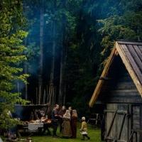 Läger vid ladan
